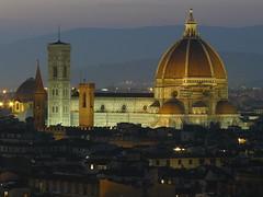 Firenze, Duomo (Ibarreskuindar) Tags: italy david night florence italia cathedral catedral tuscany florencia firenze duomo uffizi toscana michelangelo bruneschelli santamaradeifiore