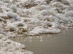 Time for the beach! (Avrati1) Tags: praia beach portugal water água strand wasser waves algarve ondas wellen