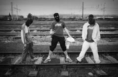 haut les mains (Le***Refs *PHOTOGRAPHIE*) Tags: yards bw white black nb rails vf argentique cagoule voieferrer