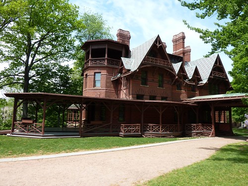 Front of Mark Twain House