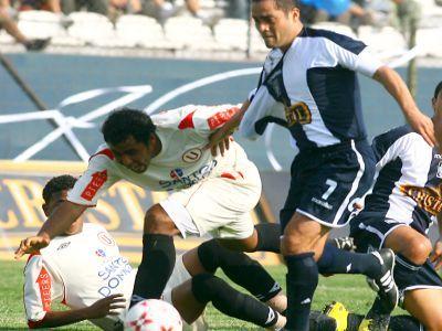 Clásico del fútbol peruano Universitario - Alianza