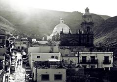 Por las calles de Real (Gloria Zelaya) Tags: street morning people mxico calle brillos realdecatorce sanluispotos dflickr gloriazelaya dflickr180307 dflickr14