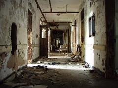 P6290317 (Blue Taco) Tags: urbandecay urbanexploration abandonedhospital thingsleftbehind