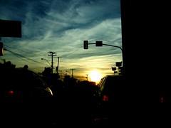 Our holy traffic jam of each morning (giumaiolini) Tags: morning sun cars sol brasil clouds trafficlight traffic carros nuvens stress campinas trafficjam semáforo sinal manhã congestionamento sinaleira tráfego reinventamoscaminhos
