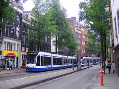 a Blue tram in Amsterdam (by: lant_70, creative commons license)