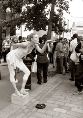 (angiebaby1622) Tags: street london lady contrast canon 350d mono ballerina candid toned performer gardenquot quothuman statuequot quotcovent