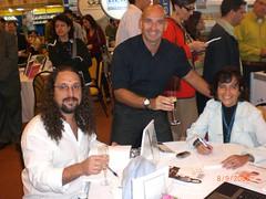 Eu com os autores de e-Usabilidade (Ricardo Nunes e Simone Bacellar)