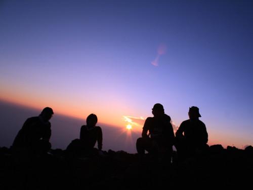 富士山のご来光。6合目にて