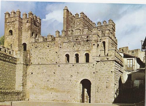 Puerta vieja de Bisagra o de Alfonso VI (Toledo) en los años 60