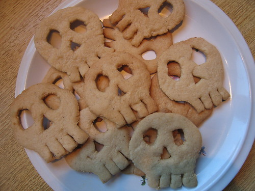 Gingerbread sculls for Halloween