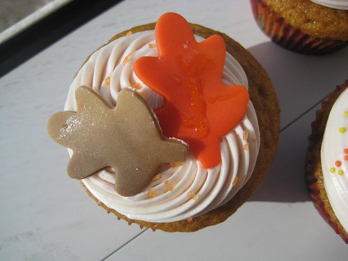 Thanksgiving cupcakes by kristin_a.