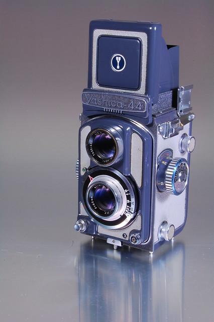 Yashica 44A (3)