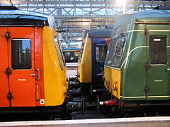 101s at Manchester Piccadilly. (R~P~M) Tags: uk greatbritain england train manchester diesel unitedkingdom railway piccadilly 101 dmu multipleunit firstnorthwestern