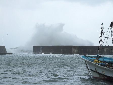 時化の日本海