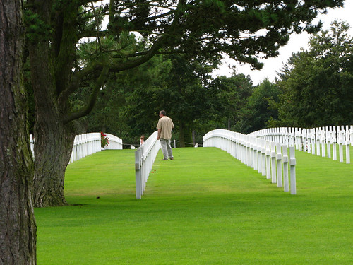 American cemetery, Colleville-sur-Mer (by: Dog Company/Dalton, creative commons license)