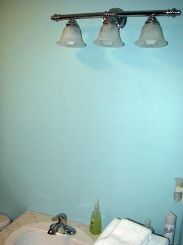 Wall and lightfixture