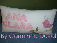 Para uma menininha - For a little baby girl - As all my work, this  was hand apliqu .  (baronesinha100@gmail.com) (baronesinha_baronesinha) Tags: passarinho patchwork corderosa almofada letras aplicao almofadinha