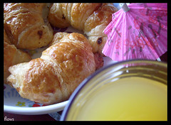 .macro-ch (.lucy) Tags: food juice comida croissant ch suco internationalfood