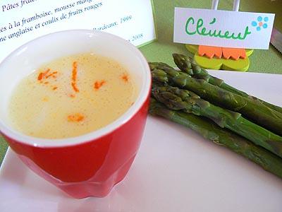 asperges vertes, sauce mousseline à l'orange.jpg