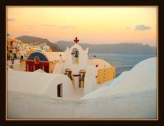An Evening in Oia (janetfo747 ~ Dreaming of Africa) Tags: roof church island bravo contest explore santorini greece fabulous soe oia 5photosaday flickrsilver topseven flickrgold platinumphoto anawesomeshot flickrbronze diamondclassphotographer flickrdiamond ysplix platinumheartaward platinumhearts theperfectphotographer goldstaraward qualitypixels yourarthastouchedtheworld thewanderlust 100commentgroup universalelite platinumgolddoubledragonawards andromeda50 andromeda5010 goldenplanet theverybestofpeopleschoice mygearandmepremium supremepeopleschoice mygearandmebronze mygearandmesilver mygearandmegold topsevengallery mygearandmeplatinum mygearandmediamond aboveandbeyondlevel4 aboveandbeyondlevel1 aboveandbeyondlevel2 aboveandbeyondlevel3