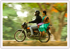 Panning .. (@k@sh) Tags: road india smile canon out children 350d couple bangalore streetphotography mg airways 75300mm panning qatar bws mgroad akash qatarairways bengaluru aplusphoto flickrlovers