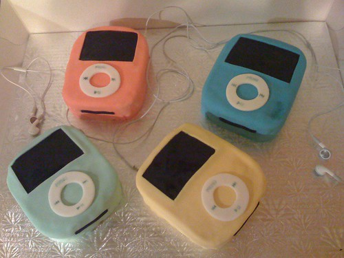 iPod Nano Mini B-day Cakes for Laurie