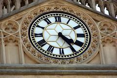 Relógio / Clock (Marcio Cabral de Moura) Tags: uk inglaterra england church bath europa europe sony igreja gb relógio