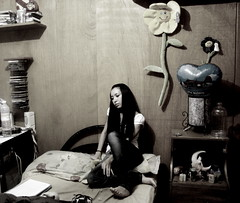 .- 242 [365] (Jadis, La Lune ) Tags: woman selfportrait me girl bodylanguage autorretrato jadis cuentos ganas recamara 365days