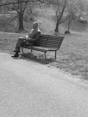 Chi vive solo. (Foto di SimoSole da Flickr).
