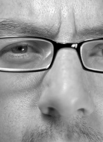 Un ojo y una nariz (365-167)