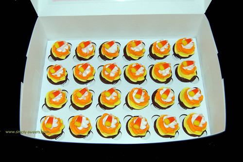 Halloween Candy Corn mini cupcakes
