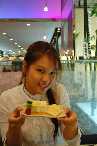 me posing with cheese tofu