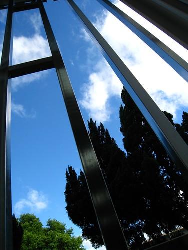 鐵窗外的天空