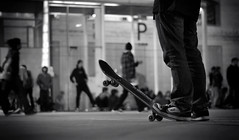 My name is: .... ... (SlapBcn) Tags: barcelona bw face night iso800 noche bcn bn skate skateboard slap macba callejeando nit blancinegre nikkor50mm18 nikond80 slapbcn