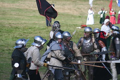 IMG_5384 (jgmdoran) Tags: canon flags archer reenactment 2007 militaryodyssey platemail lancastrians billhook arquebus waroftheroses highmedieval yorkists