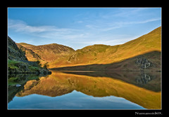 Crummock Water. (numanoid69) Tags: lake water reflections nationalpark lakedistrict calm stillness crummockwater nikond300 prideofengland
