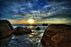 Teluk Chempedak 6:45 AM (Rejim Mongol) Tags: morning beach beautiful sunrise am 645 tc hdr kuantan telukchempedak