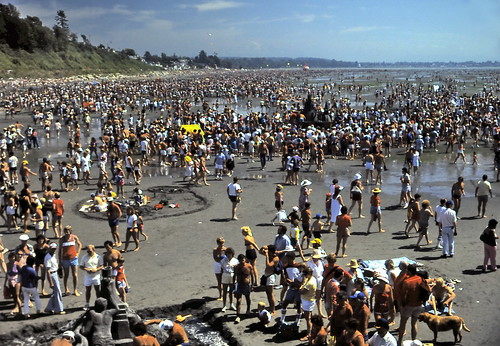 gm_10330 Mass Crowds at Beach Sandcastle Contest, White Rock, BC 1984