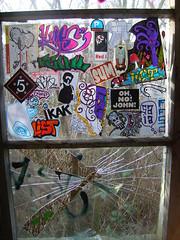 On glass (List_84) Tags: street red building art abandoned window glass john germany sticker keks frankfurt no linus list oh sumo hofheim feind kak saia mutiny caspa kufs freaq sumone dijus