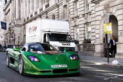 Kermit. (Alex Penfold) Tags: auto camera green london cars alex sports car sport mobile stone canon silver photography eos photo cool flickr mt bright image metallic awesome flash picture super run spot exotic photograph silverstone spotted hyper convoy supercar spotting 900 numberplate exotica sportscar sportscars supercars mosler penfold spm m900 spotter 2011 mt900 hypercar 60d hypercars alexpenfold m900spm