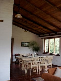 Cotacachi-Rental-real estate-dining-room