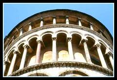 Pisa Duomo (Grard Farenc (slowly back) !) Tags: pisa campanile duomo torrependente pise tourpenche colonnettes