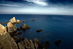 Arrecife de las Sirenas - Almería (Gabriel Villena) Tags: mediterraneo mar nubes cielo azul cabodegata andalucía almería