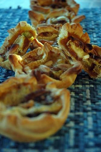 Mini sfoglie alle carote, cipollotti e anacardi