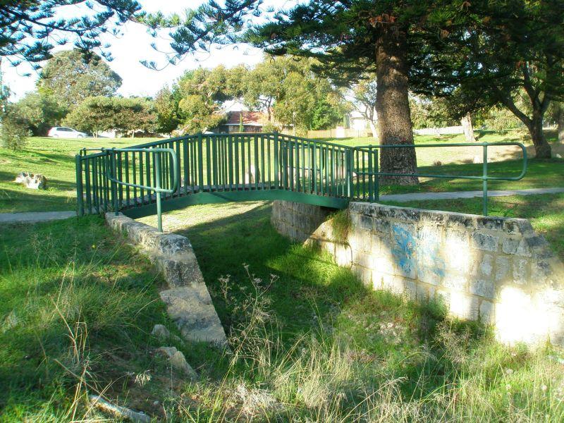 Hilton park bridge