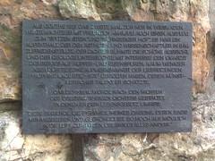 Goethe-Denkmal (darkfile) Tags: wiesbaden goethe denkmal tafel frauenstein weinberge
