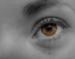 mas ojos (lucas_m (away)) Tags: music woman canada macro eye art for amazing eyes novascotia searchthebest august lucas ojos kathryn finepix fujifilm dailyphoto antigonish meandmycamera pointandshot infinestyle lucasmolina me2google interestingby