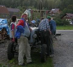 Smile (:Linda:) Tags: people woman tractor man smile germany thringen traktor leute village adult thuringia handcart mensch pff thuringian thringer hildburghausen erwachsen lumberpile brden erwachsener picturewithmusic