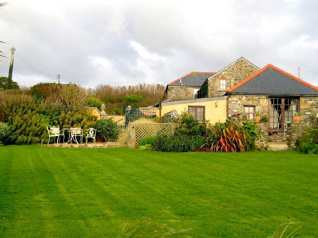 Ednovean cottage