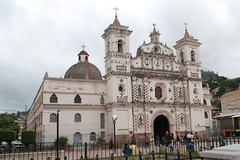 Iglesia Los Dolores - Church of the Sorrows - Tegucigalpa, Honduras (jrozwado) Tags: plaza church latinamerica square catholic cross iglesia honduras dome tegucigalpa dolores centralamerica sorrows